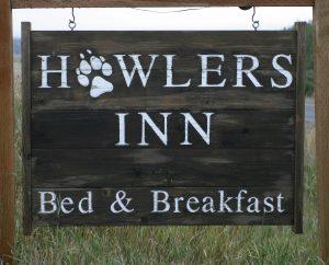 Howler's Inn sign.